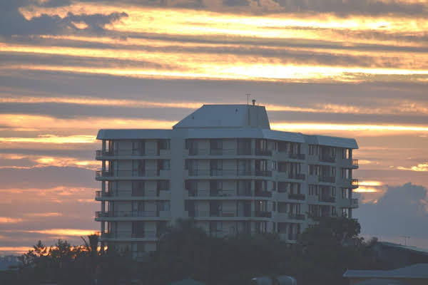 Gladstone Heights Executive Apartments