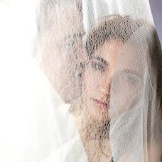 Wedding photographer Katerina Emelyanova (Katerdgina). Photo of 12.03.2014