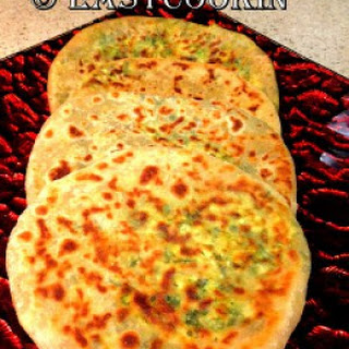 Palak-Paneer Ke Parathe(Spinach-Cottage Cheese Flatbread)