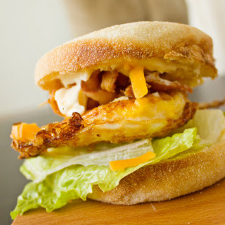 Easy Egg and Bacon Breakfast Sandwich
