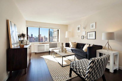 The Blake Furnished Apartment near New York Hospitals