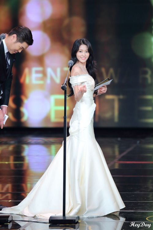 seol gown 12