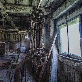 by Jocelyne Maucotel - Uncategorized All Uncategorized ( barn, house )