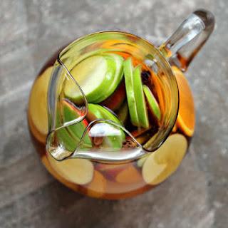Easy Apple Sangria
