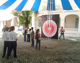 Photo: Australian Education Trade Fair, HCMC with the Vietnam Swans.