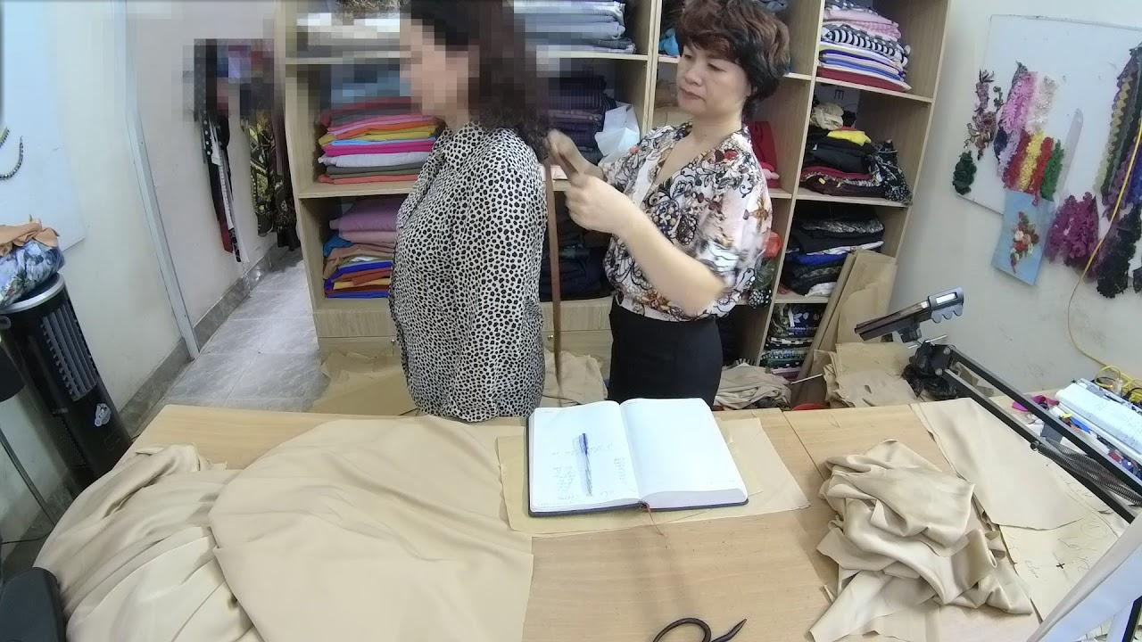 Tư vấn khách hàng ở Nước Ngoài đặt hàng may đo thời trang thuỷ