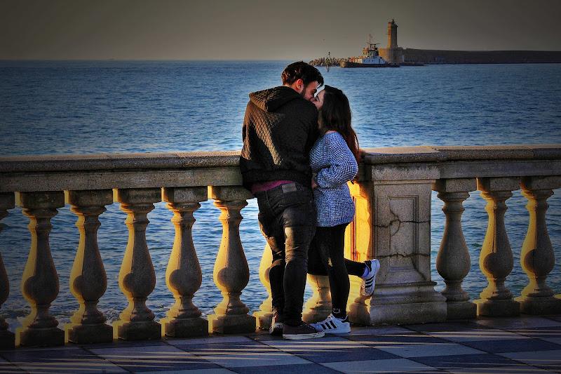 un bacio in riva al mare di Emme Photo