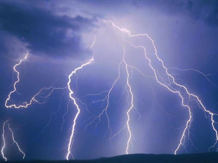 http://www.karfitsa.gr/wp-content/uploads/2013/10/logo-lightning.jpg