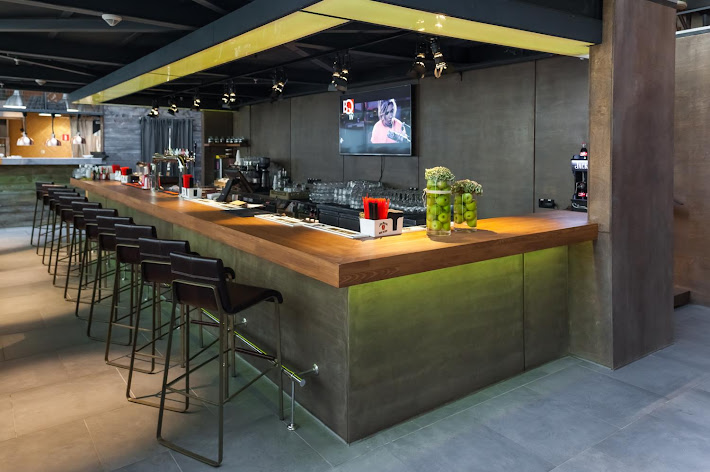 Фото №8 зала Bar BQ Cafe Метрополис