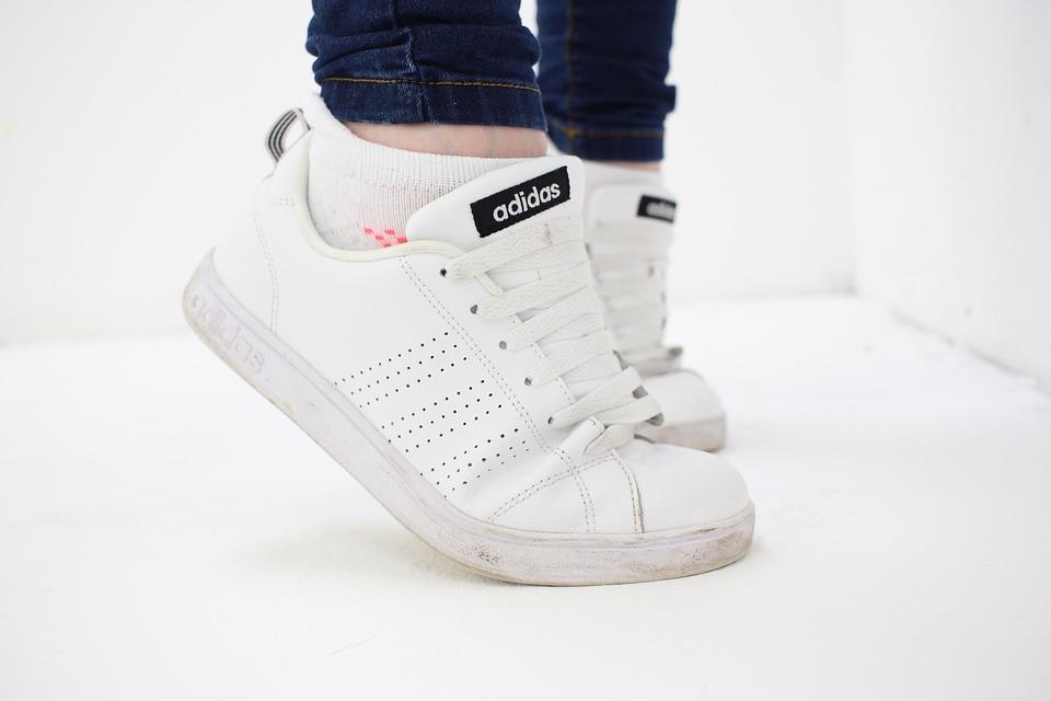 AgHxCm3bHrK ysDwg uYqXdoh1hgxK MZOvaE8QKXEGCqi9JRNHeuipoHy7IqG4VWonxgibpU4uB6yjhOZlSXRsQerLuurrUQhkV7nBO5jBeOKnyMrUAcYvXzPsh2RfatpqtINeF - 5 Amazing Ways To Style A Pair Of Sneakers