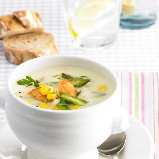Spargelcreme Suppe mit Huhn und Mais