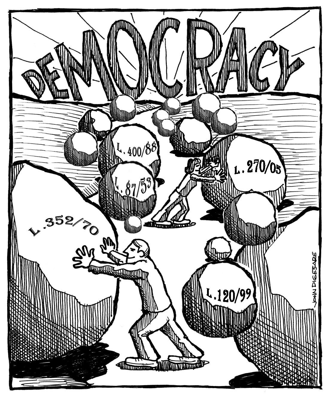 Photo: Per giungere al traguardo Democrazia (sovranità che appartiene al popolo) occorre prima rimuovere gli ostacoli che i pochi eletti hanno imposto al popolo sovrano lungo il suo cammino (alcune Leggi).