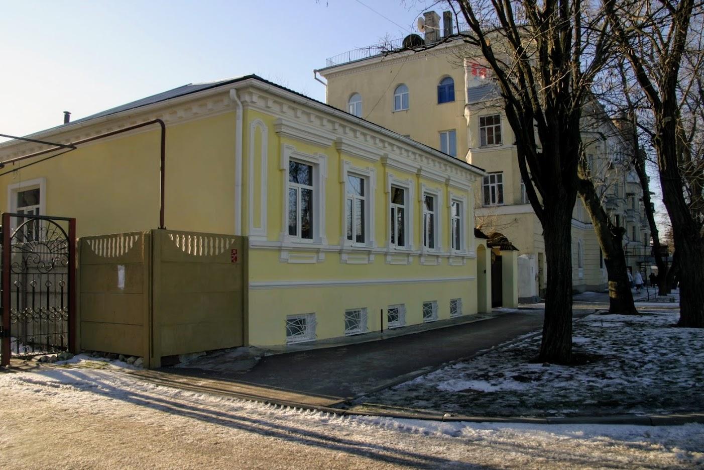 https://sites.google.com/site/istoriceskijtaganrog/cehova-ulica/dom-47