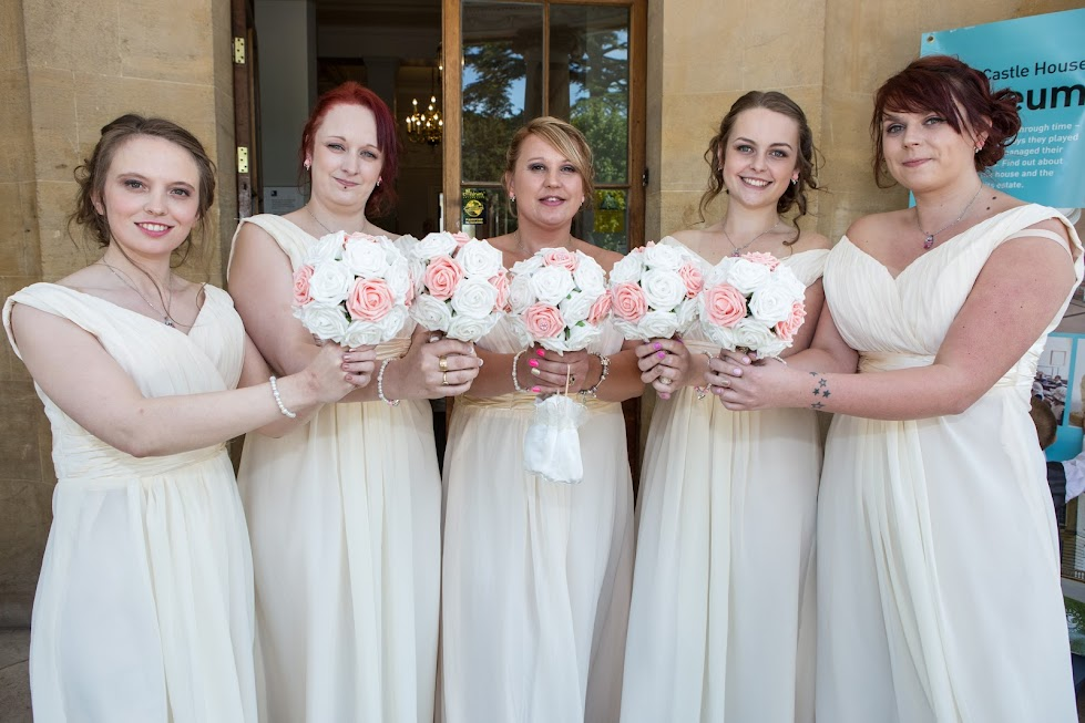 wedding-bridesmaids-portrait