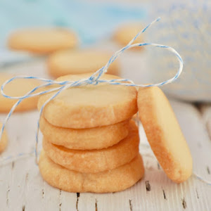 3 Ingredient Shortbread Cookies