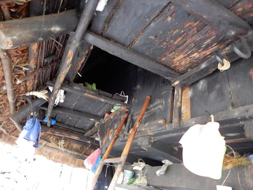 梯子をのぼった二階部分。