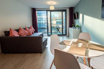 Balcony Apartment in Maidenhead