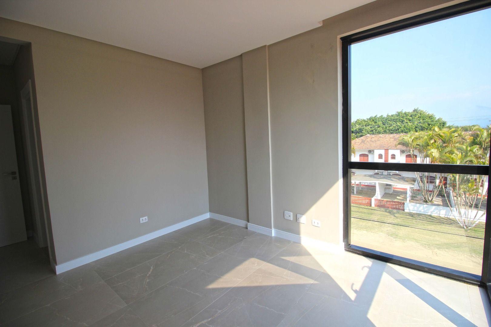 Apartamento com 3 Dormitórios à venda, 137 m² por R$ 840.000,00