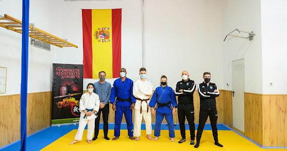 Almería estrena tarima flotante para el judo