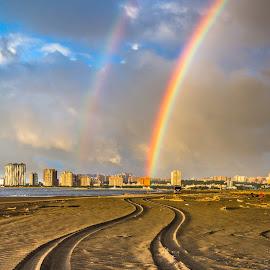 循著軌跡就能找到彩虹の家🌈 by Gary Lu - Landscapes Weather ( weather, gary lu )