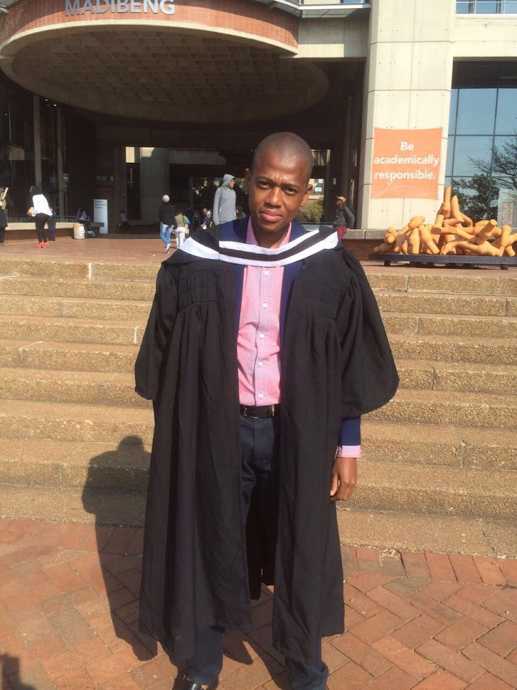 Graduate With R200 000 Degree Now Earns R2 000 A Month