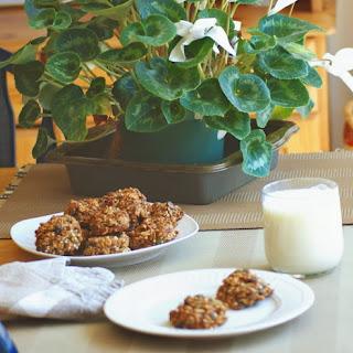 """Baked Granola """"Haystack"""" Cookies"""
