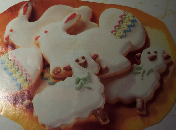 Make any recipe for royal frosting, tint and decorate to your liking! Let  cookies...
