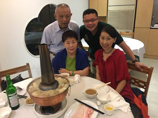 這是咱們家的第二食堂,從小到大酸菜鍋必到之處!連我黑龍江老婆都讚不絕口!感嘆家鄉老味道竟然在台灣吃到!