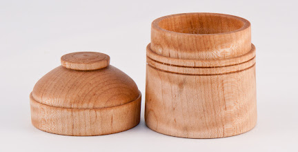 "Photo: Gary Nickerson - 2.25"" x 3"" suction fit box [maple]"
