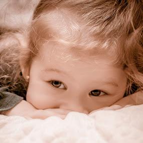 thot by Iana Udrea - Babies & Children Babies ( love, girl, baby, sun, eyes )