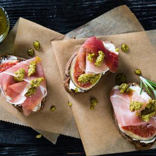 Fig Prosciutto Crostini Recipe