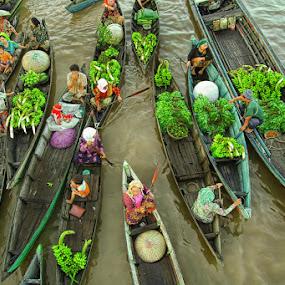 .: Busy Morning :. by Faizal Fahmi - Transportation Boats ( banana, south borneo, river city, floating market, indonesia, bandarmasih, boat, banjarmasin )