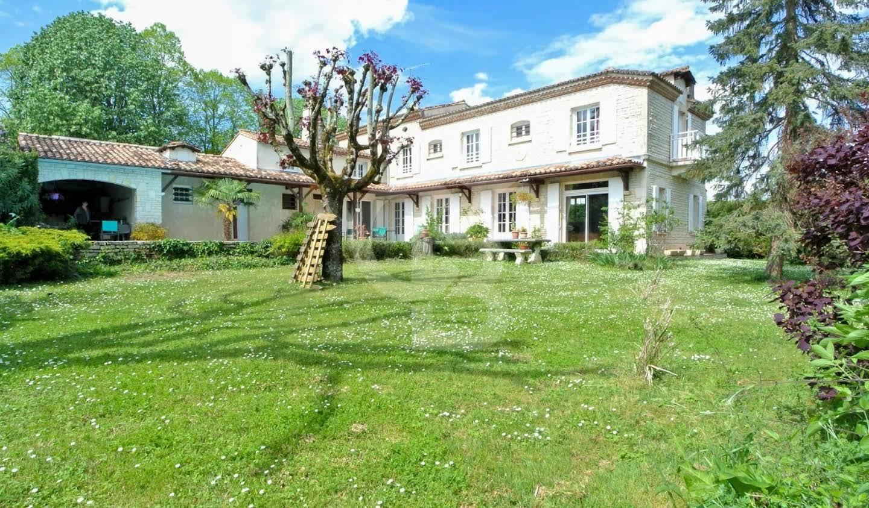 Maison avec piscine et terrasse Médis