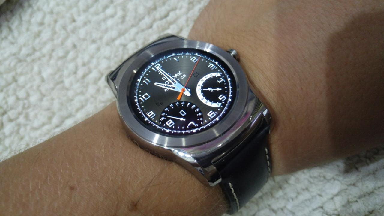 Designer android wear watchface - Metal Elegant Watch Face Screenshot