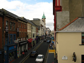 Photo: Derry: Ferryquay Street dall'incrocio con Market Street (foto Anna)