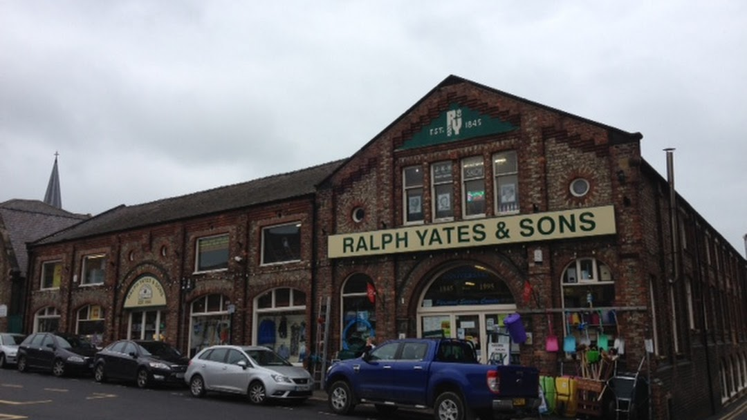 4de41d040 R Yates & Sons Ltd, Malton - Department Store