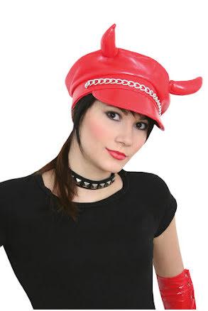 Machokeps, horn röd