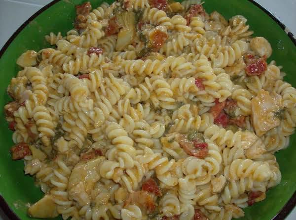 Chicken Fusilli With Spinach And Artichokes Recipe