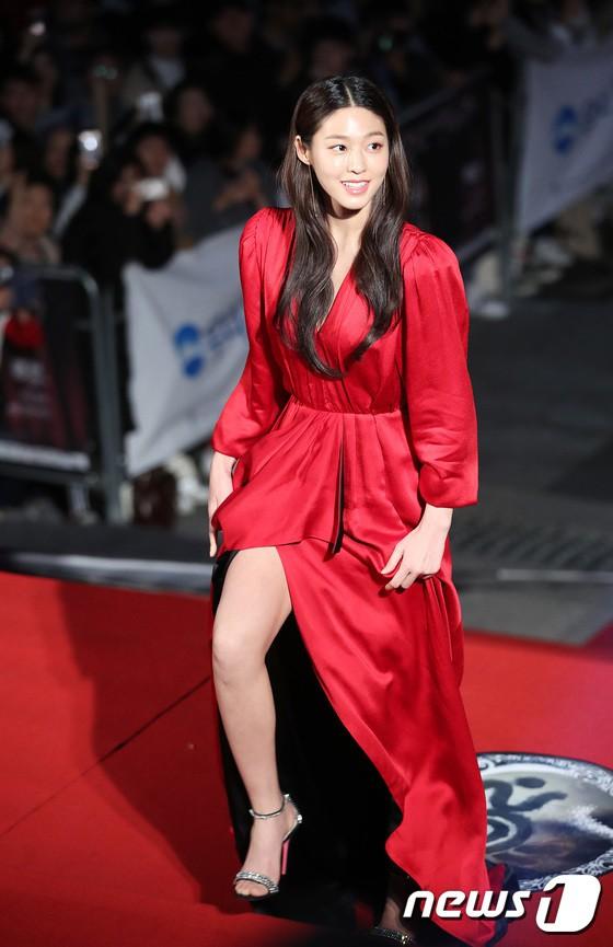 seol gown 32