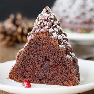 Baileys Hot Chocolate Bundt Cake - #BundtBakers