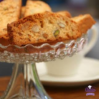 Cantuccini – Italian biscotti cookies.