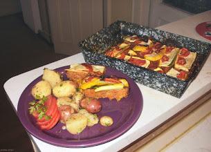 Photo: Cukinia zapiekana z mielonym mięsem i pomidorami (podana z młodymi ziemniakami) 08