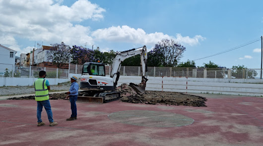 Comienza la reforma de la pista deportiva del CEIP Príncipe Felipe