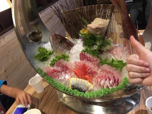 海鮮新鮮 壽司卷超好吃 食材口味特別