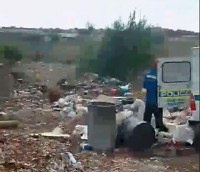 KYK | 'Paneelkloppers het die polisie-voertuig gebruik vir onwettige storting': SAPS - TimesLIVE