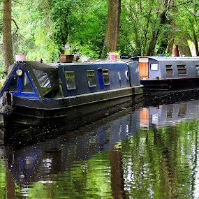 Still  barging by Gordon Simpson - Transportation Boats