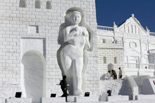 снежная скульптура_5