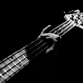 Playing the guitar by Pascal Bénard - Artistic Objects Musical Instruments ( music, concert, guitar )