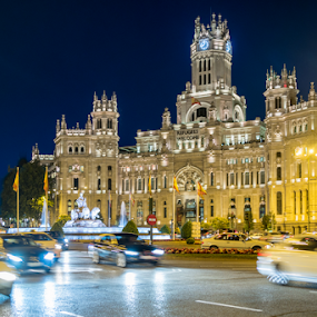 Cibeles - Madrid by Jesús Municio - Buildings & Architecture Office Buildings & Hotels ( lights, trafic, madrid, ayuntamiento, night, correos, cibeles,  )