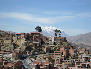 Photo: La Paz mit Illimani